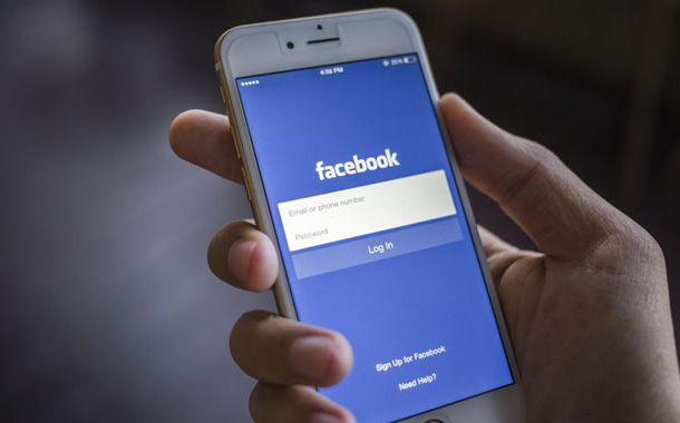 Facebook overhauls news feed to focus on friends and family