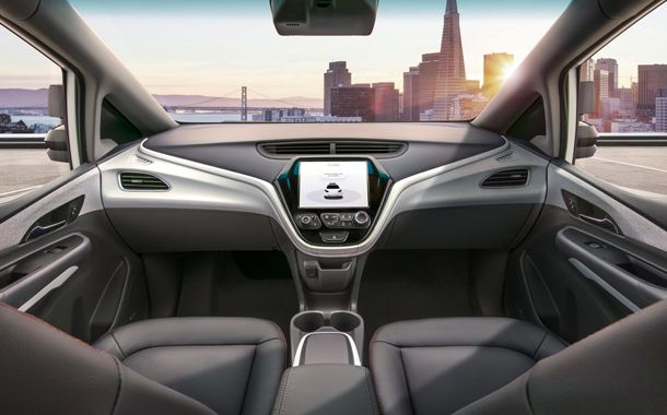 GM debuts self-driving auto with no steering wheel