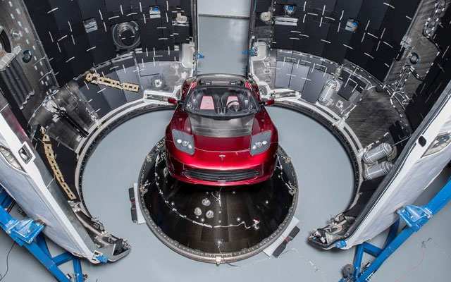 SpaceX's first Falcon Heavy rocket launch scheduled for 6 February
