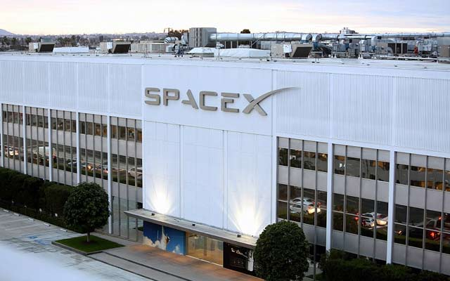 SpaceX satellite broadband plans ready to blast off