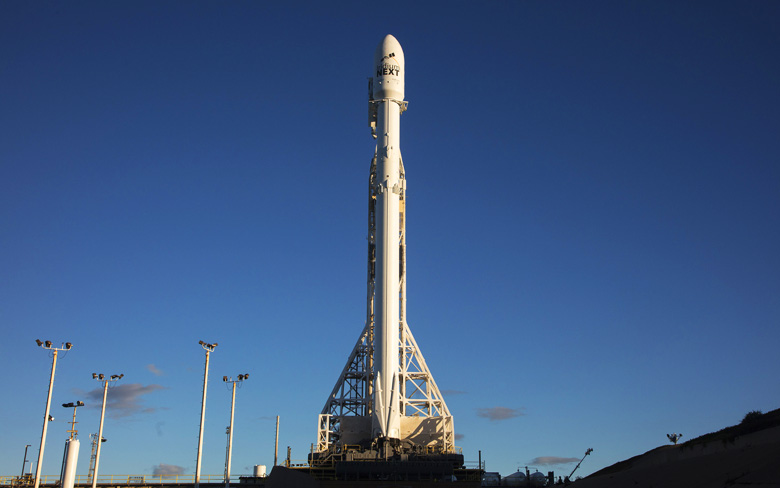 SpaceX Launches 10 Iridium Next Satellites Despite Harsh Weather