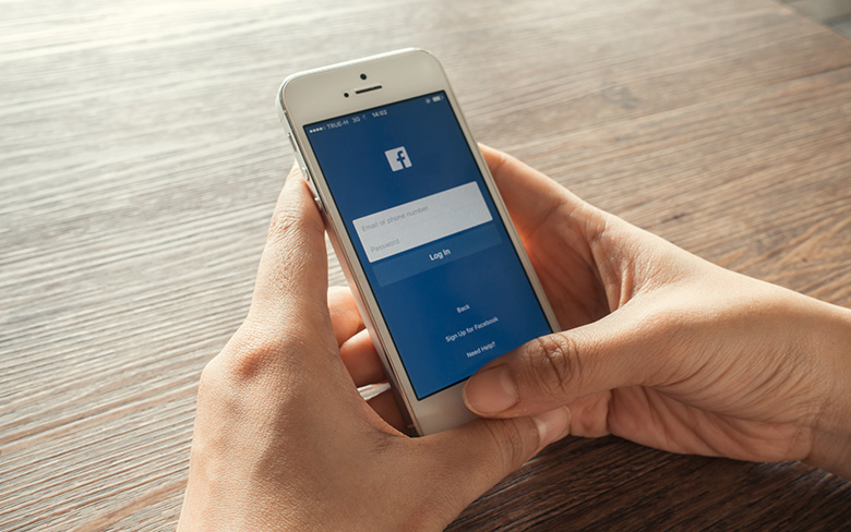 Facebook Blocks Accounts