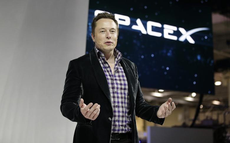 spaceX CEO