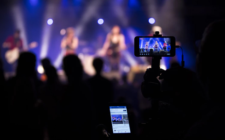 Mobile Live Streaming