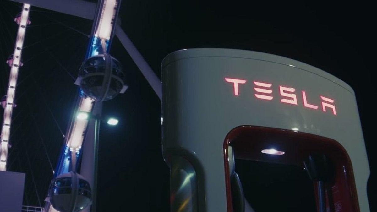 Ttesla Las Vagas Supercharger Station