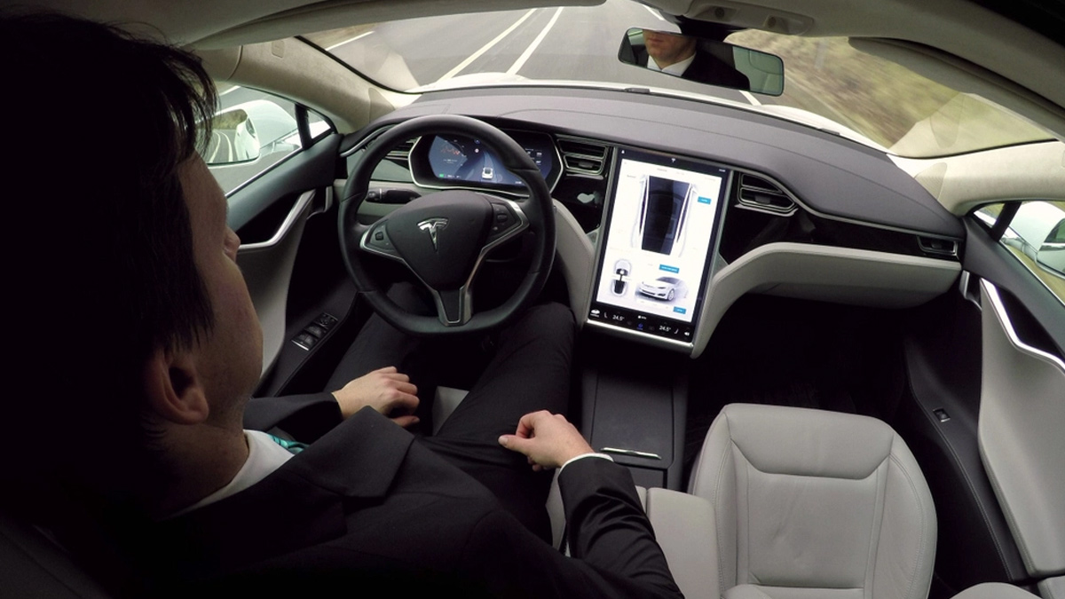 Tesla New Gaming Experience