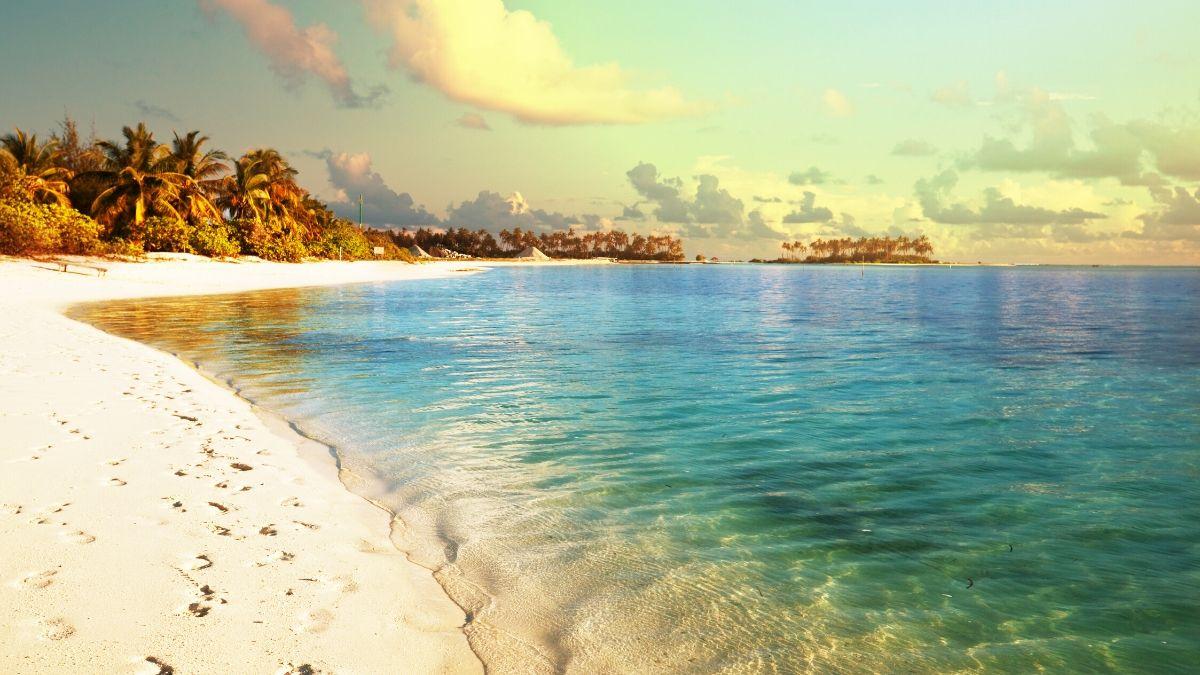 Scenic Beauty Of Maldives Sea