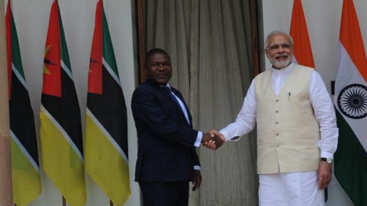 Modi Handshakes With Prez Nyusi