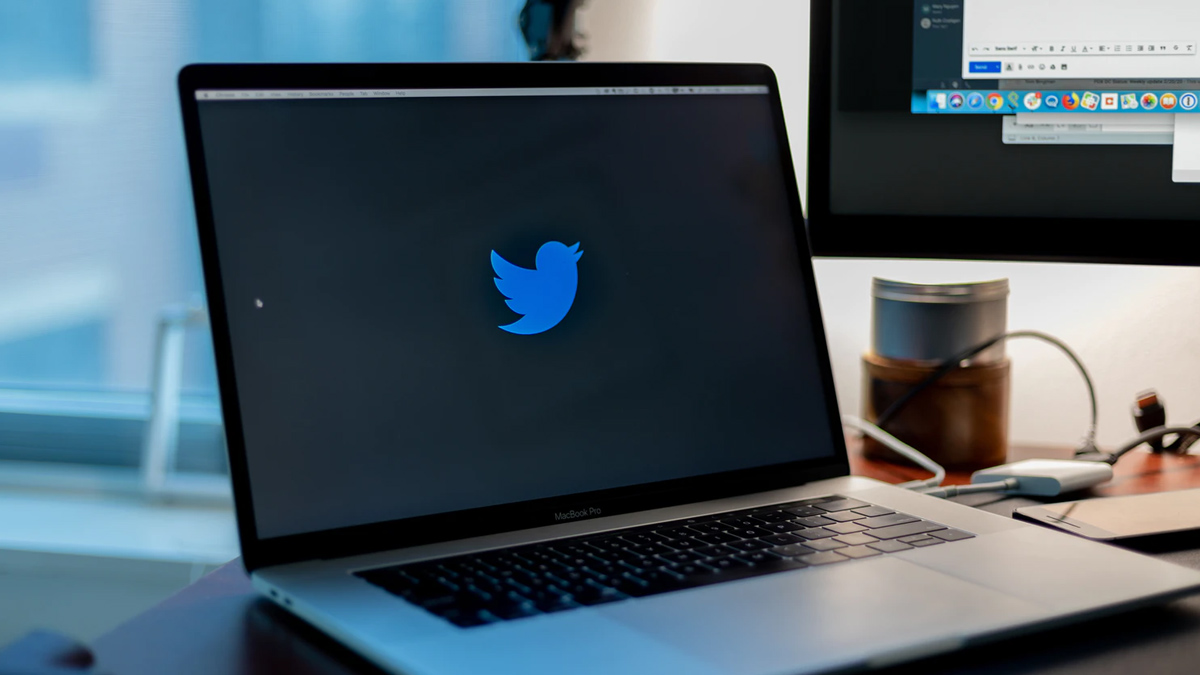 Twitter On A Laptop