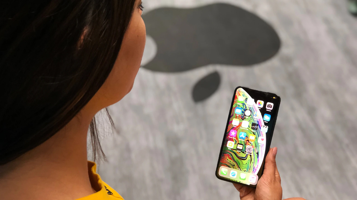 Apple Touch Integrated OLED