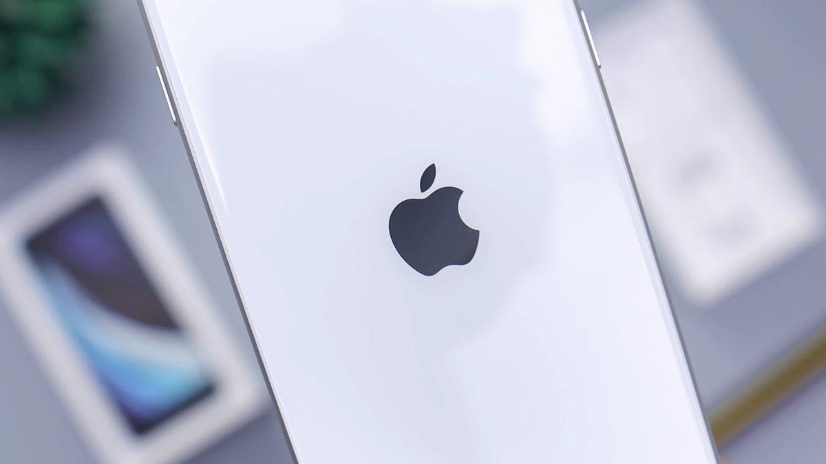 iPhone SE 3 Smartphone
