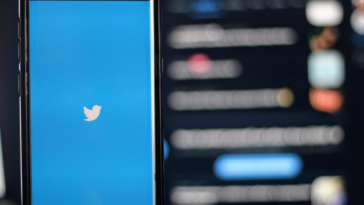 Twitter Tweet Feature
