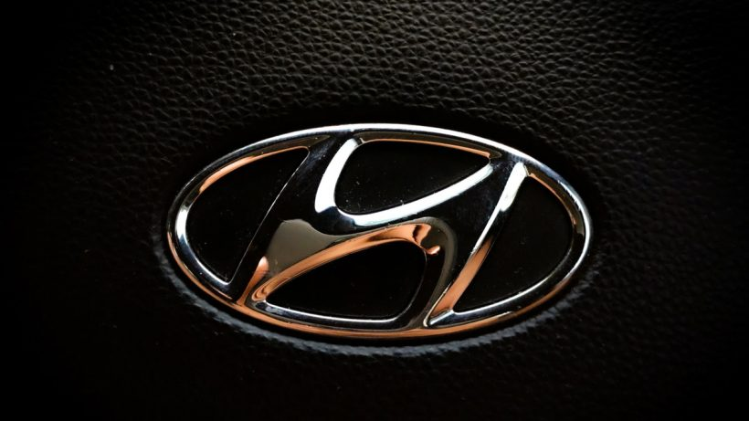Hyundai Talks with Apple