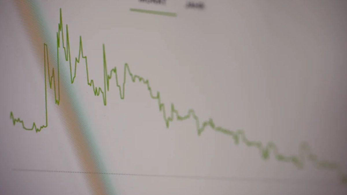 HUAWEI sales drop
