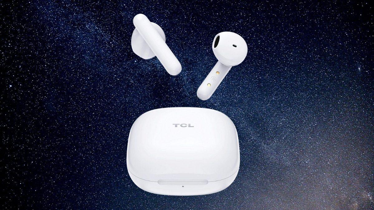 TCL true wireless earbud