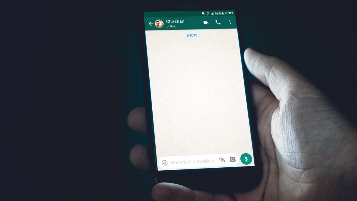 WhatsApp Test Chat History
