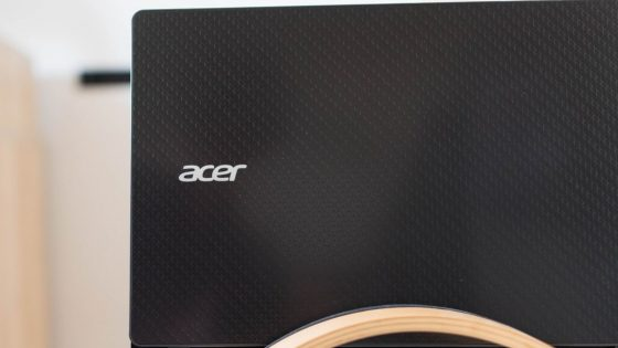 Acer Text In Black